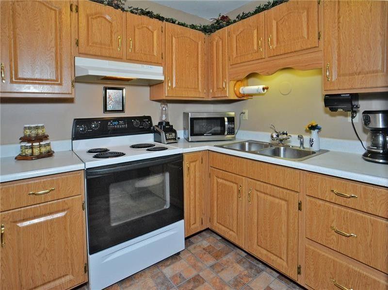 429 Alpine Village Dr, Monroeville, PA 15146