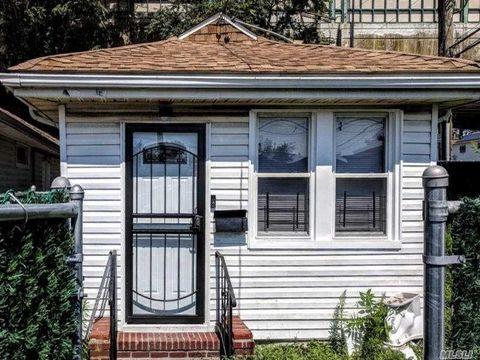 Outstanding Queens Ny 2 Bedroom Homes For Sale Realtor Com Download Free Architecture Designs Intelgarnamadebymaigaardcom