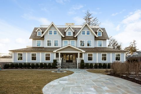 Photo of 165 Shore Rd Unit C, Old Greenwich, CT 06870