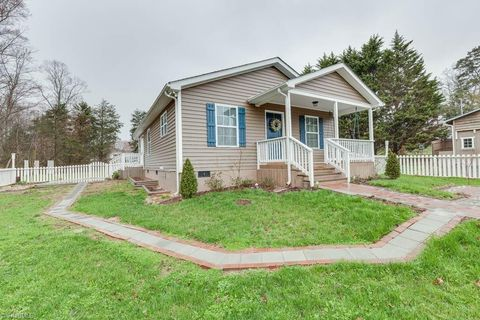 3009 Cranberry Rd, Boonville, NC 27011