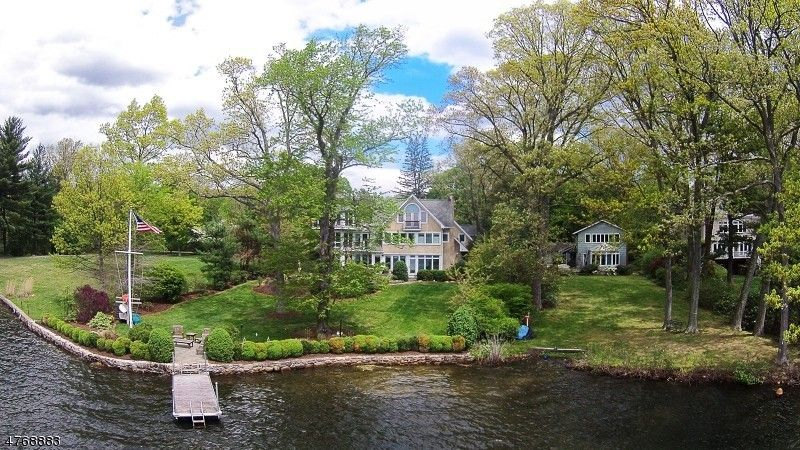 28 Lake Dr, Mountain Lakes, NJ 07046