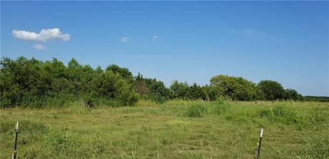 Photo of 1607 County Road 1071, Greenville, TX 75401