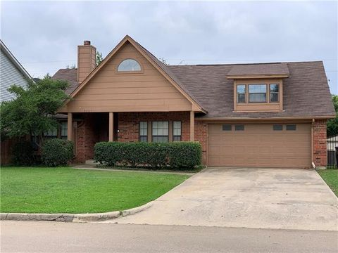 Photo of 3401 Meadowview Dr, Corinth, TX 76210