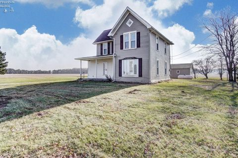Photo of 6371 County Road 55 Rd, Gibsonburg, OH 43431