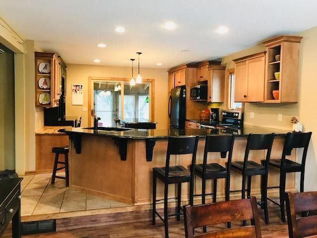 Incroyable 7575 Bavarian Ln, West Bend, WI 53090