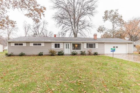 Photo of 8902 Olde Eight Rd, Northfield Center, OH 44067