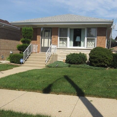 7524 W Strong St, Harwood Heights, IL 60706