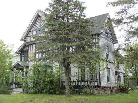 Photo of 33 William St, Gouverneur, NY 13642