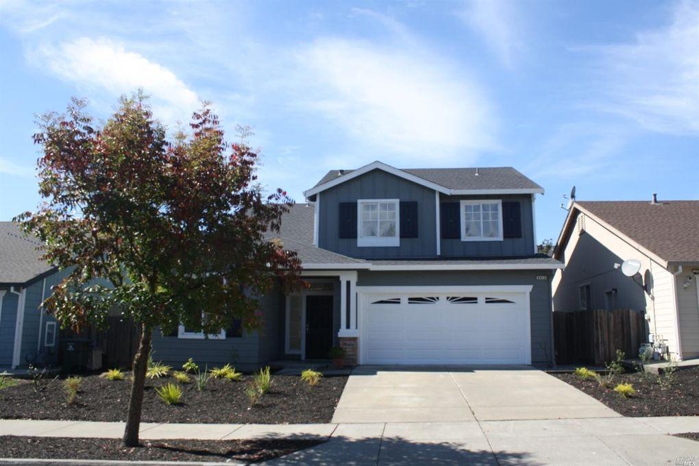 2413 Parkcreek Dr Santa Rosa, CA 95404