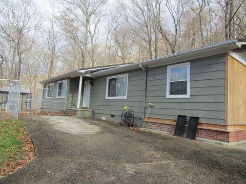 Photo of 380 Sams Mountain Rd, Middlesboro, KY 40965