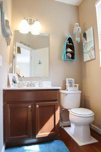 6626 Thistle Grv, Hamilton Township, OH 45152 - Bathroom