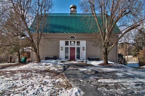 Photo of 264 Carbondale Rd, Waverly, PA 18471