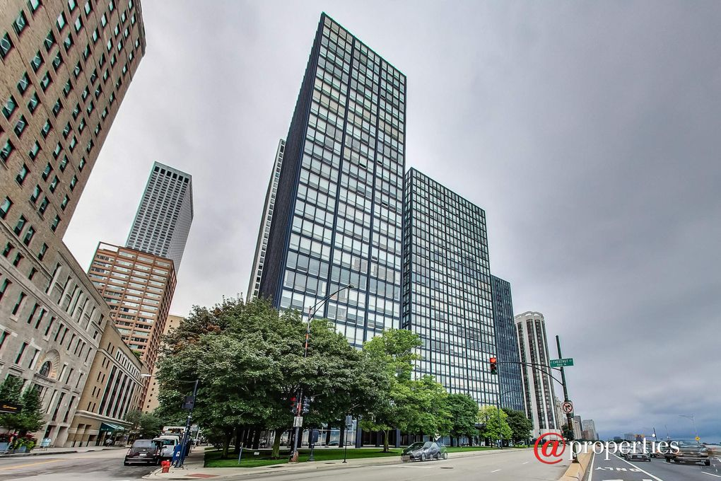 860 N Lake S Dr Apt 19 J Chicago Il 60611 Realtor