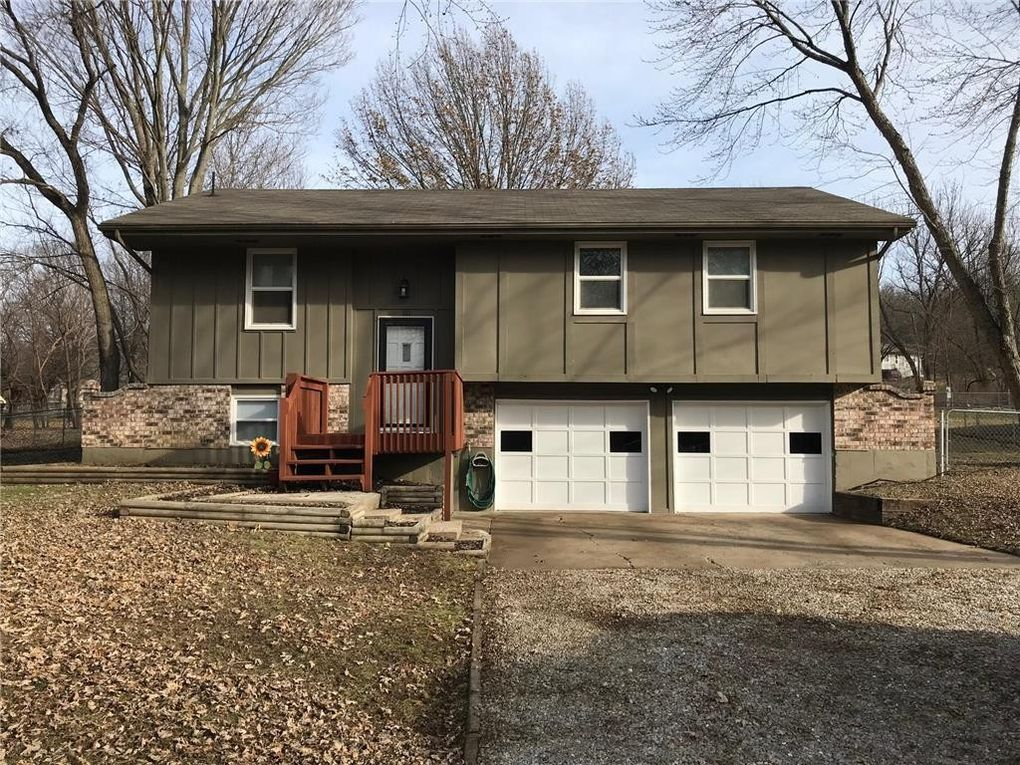 181 Se 421st Rd, Warrensburg, MO 64093