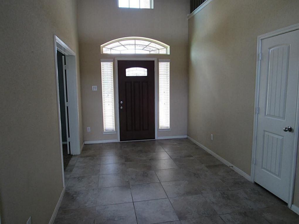 21401 Timber Lodge Ln, Porter, TX 77365