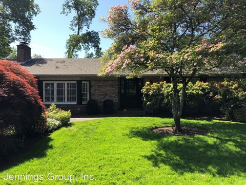 Photo of 2190 Bedford Way, Eugene, OR 97401