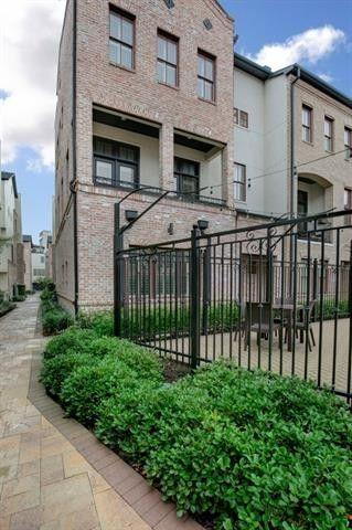 Dallas, TX Apartments with 2-Car Garage - realtor.com®