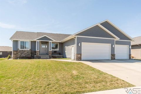 Photo of 6512 E Steamboat Trl, Sioux Falls, SD 57110