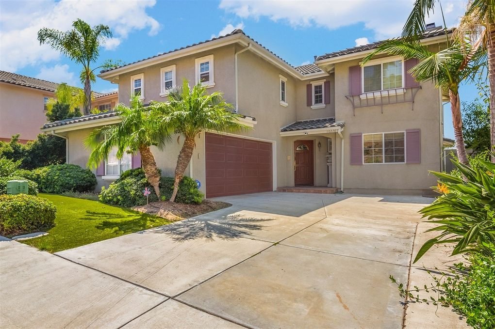 10276 Valley Waters Dr, Spring Valley, CA 91978