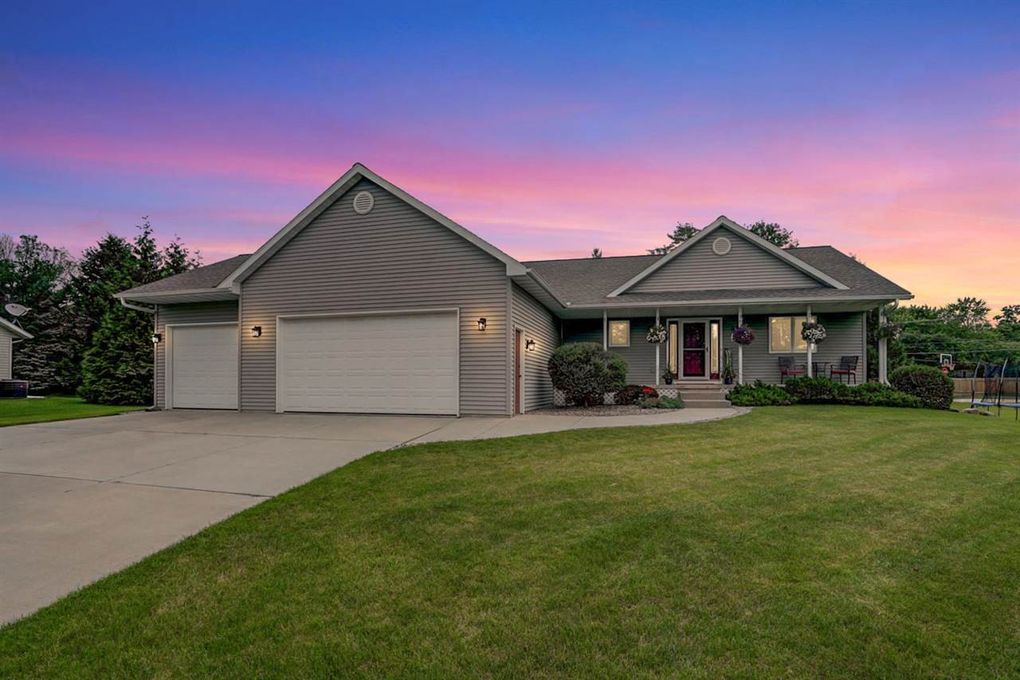 6736 Monitor Cir Windsor, WI 53598