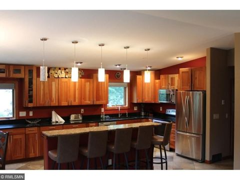25254 Island View Dr, Cohasset, MN 55721