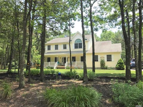 Photo of 32 Jerusalem Hollow Rd, Manorville, NY 11949