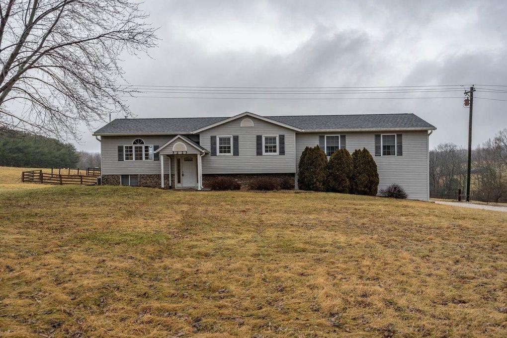 3223 W Maple Grove Rd, Bloomington, IN 47404