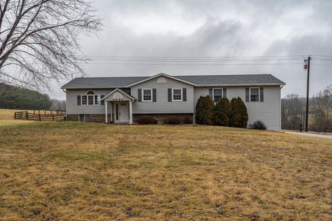 Photo of 3223 W Maple Grove Rd, Bloomington, IN 47404