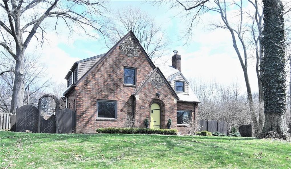3117 Orchard Rd, Silver Lake, OH 44224