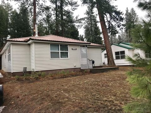 Photo of 138641 Rhododendron St, Gilchrist, OR 97737