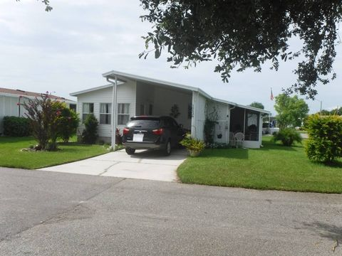 10526 Crimson Ln, New Port Richey, FL 34655