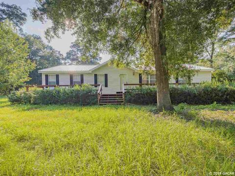 Photo of 18832 Nw 170th Ln, High Springs, FL 32643
