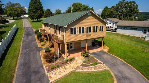 Photo of 330 Lake Forest Ln, Spring City, TN 37381
