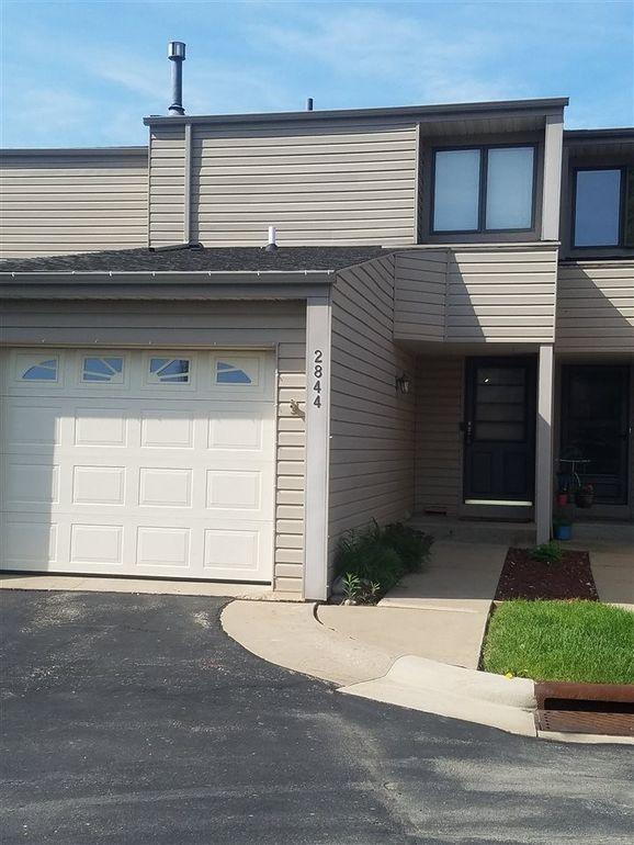 2844 Oak Meadow Ct, Dubuque, IA 52003