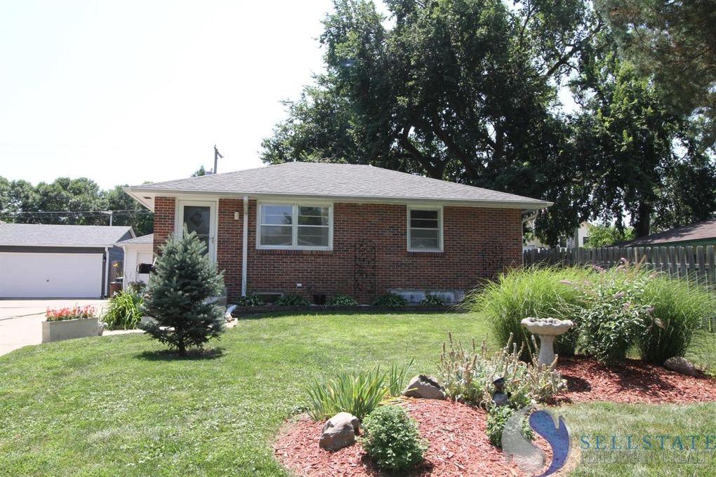 4635 Hillside St, Lincoln, NE 68506 - realtor.com®