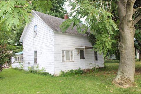 821 S Indiana St, Ashmore, IL 61912