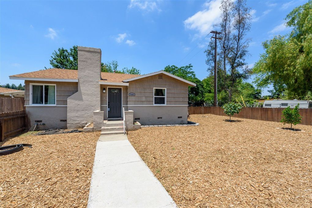9486 Los Coches Rd Lakeside, CA 92040