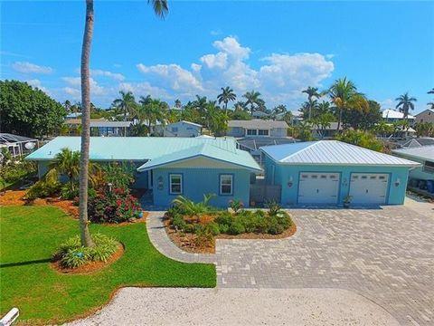Photo of 2290 Oleander St, Saint James City, FL 33956