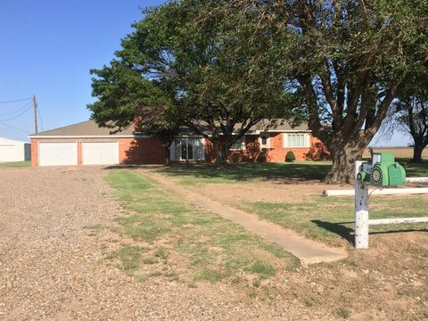 Photo of 961 County Road 27, Lockney, TX 79241