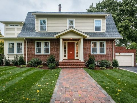Photo of 331 Common St, Belmont, MA 02478
