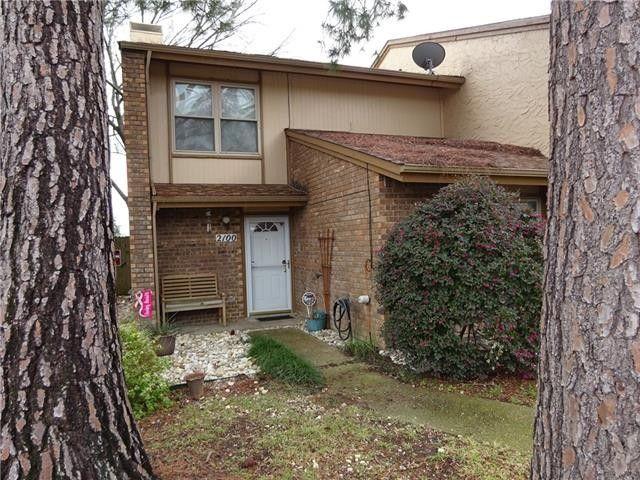 2100 Westmoor Pl Arlington, TX 76015