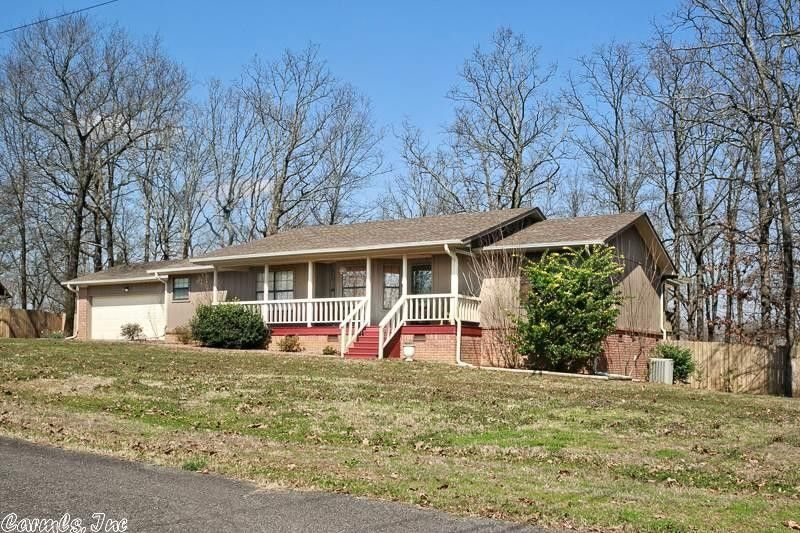 210 N Summit Dr, Cabot, AR 72023
