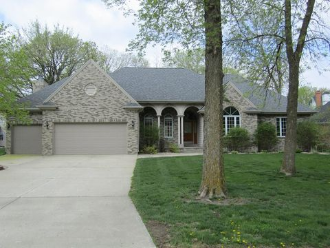 Photo of 1714 River Forest Dr, Fort Dodge, IA 50501