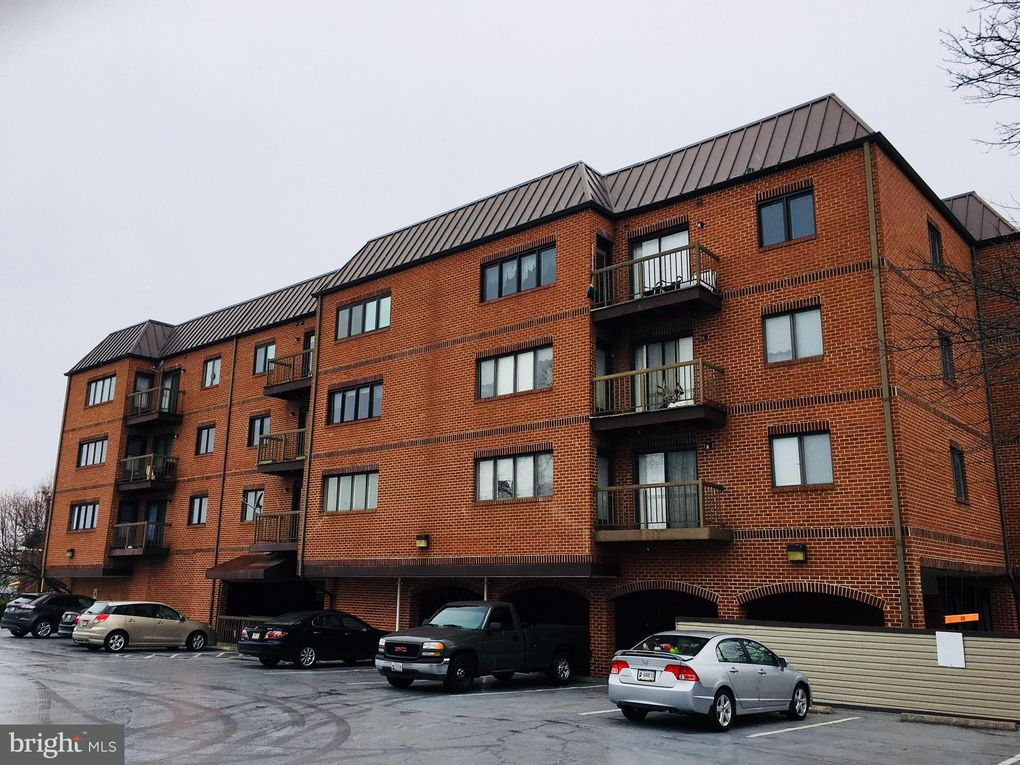 8 Russell Ave Unit 206, Gaithersburg, MD 20877