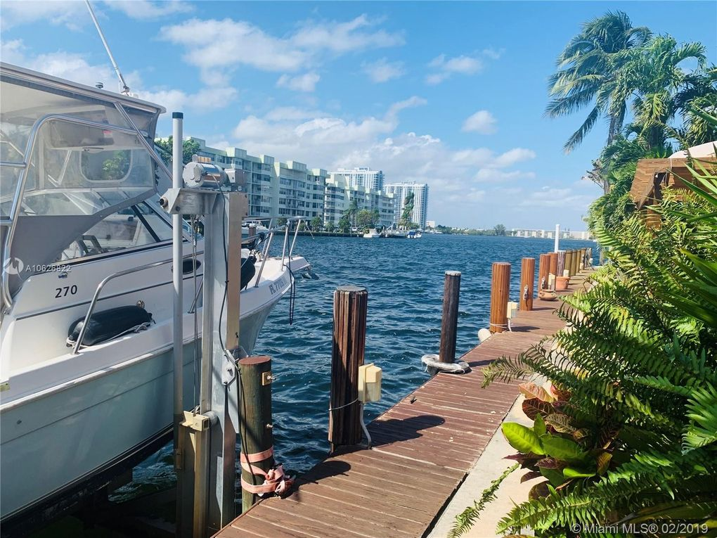 16494 Ne 27th Pl Unit 32, North Miami Beach, FL 33160