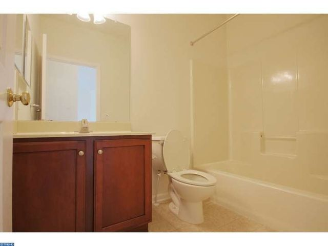 804 van gogh ct williamstown nj 08094 home for sale for Kitchen cabinets 08094