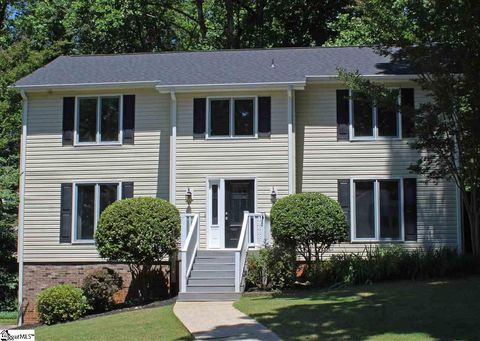 Photo of 208 White Water Ct, Greer, SC 29650