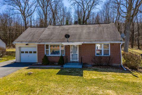 Photo of 284 W Pine Grove Rd, Pine Grove Mills, PA 16868