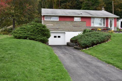 30 Hillside Dr, Kirkwood, NY 13795