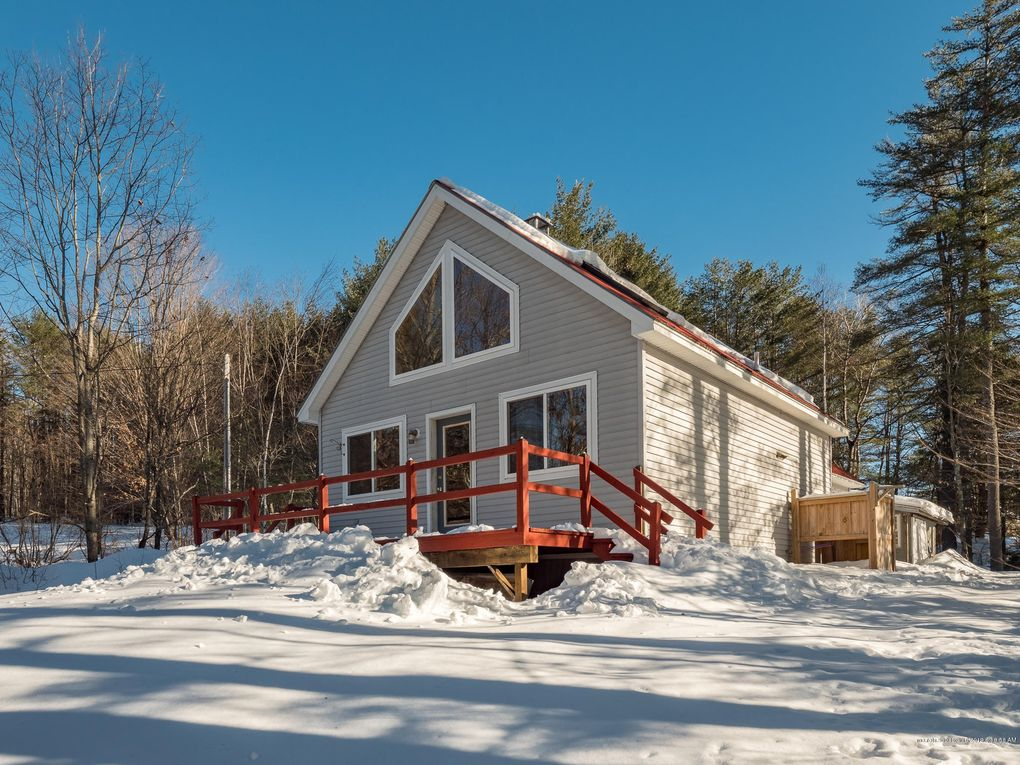 67 Sunset Rd, Bethel, ME 04217
